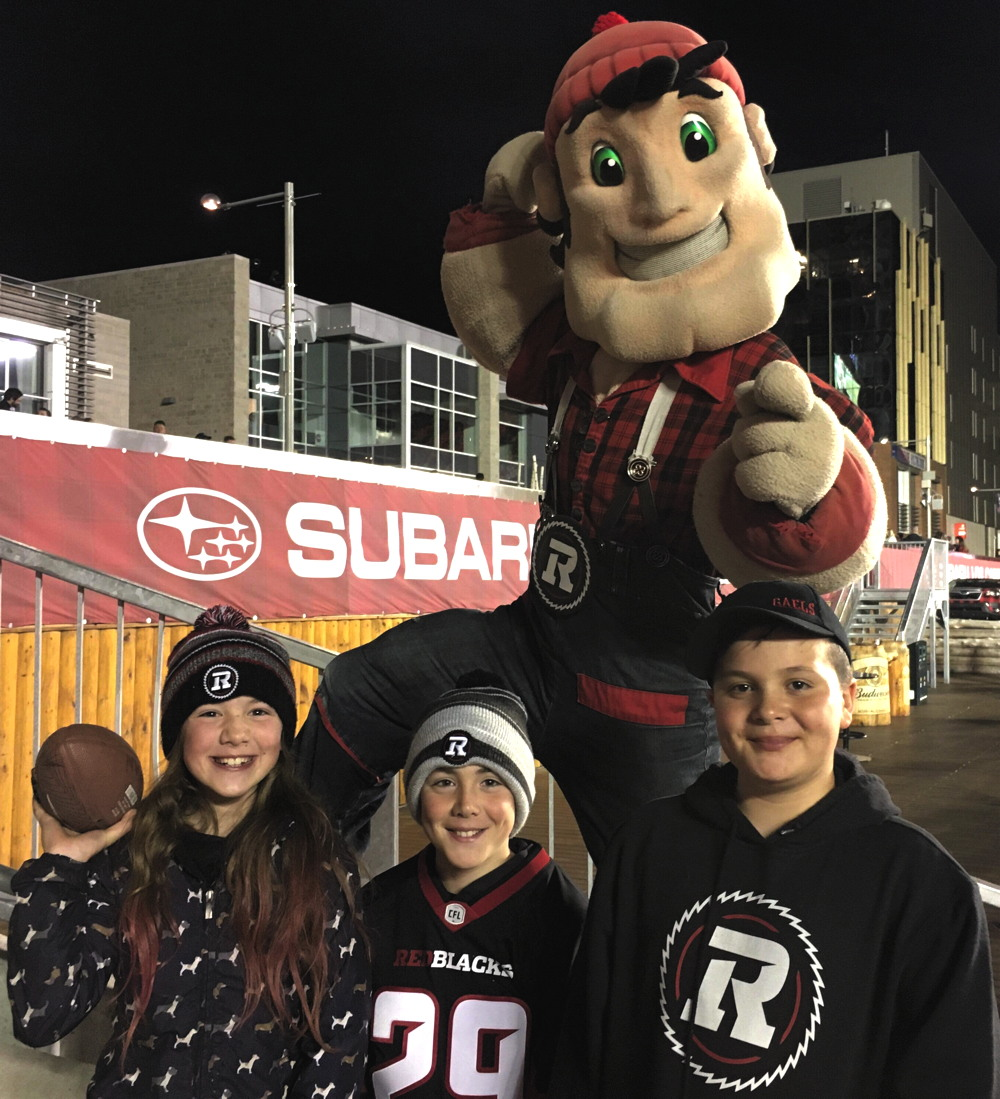 kids and football mascot